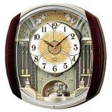 メロディに合わせて、文字板がゆっくりと3方向に分かれていく、からくり掛け時計