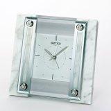 天然の白大理石の高級感があふれる置き時計